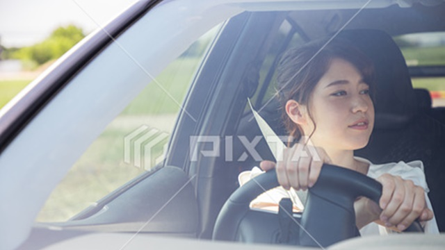 車の左折の手順とコツ!巻き込み事故をふせぐ左折時の幅寄せは必要なの!