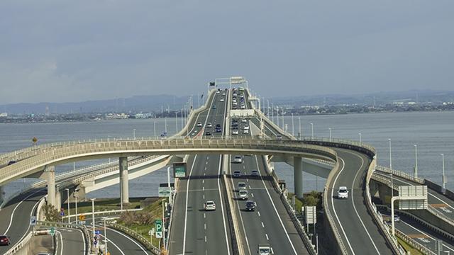 高速道路に入る前にしておく点検と運転の心得をお教えしますね。